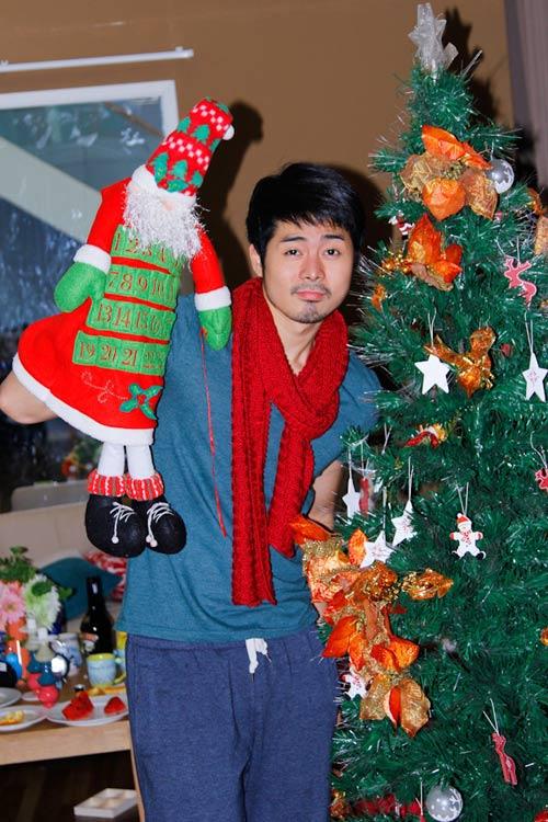 Thí sinh VNTM ngộ nghĩnh bên cây thông Noel - 3