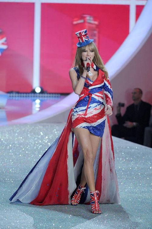 Chê Taylor Swift, thiên thần nội y mất việc? - 2
