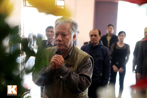 Nghệ sĩ Việt khóc nghẹn tiễn Tuấn Dương - 15