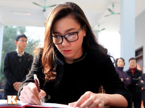 Nghệ sĩ Việt khóc nghẹn tiễn Tuấn Dương - 20