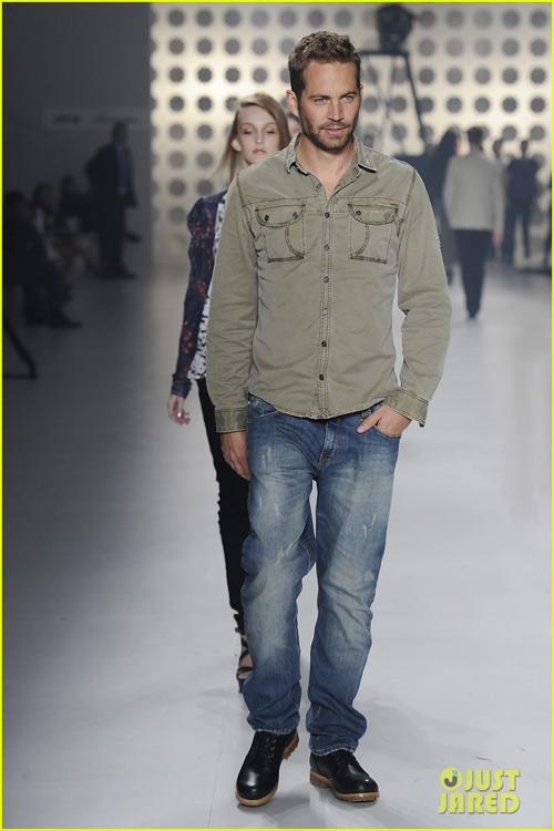 Paul Walker: Dấu ấn thời trang đẹp mãi - 17