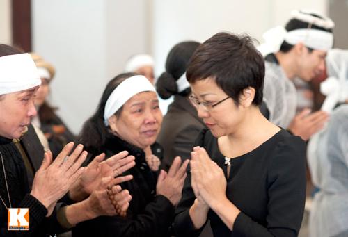 Nghệ sĩ Việt khóc nghẹn tiễn Tuấn Dương - 13