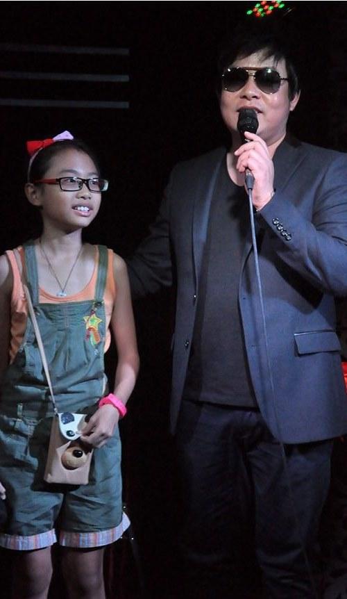 Quang Lê đem mic 10 nghìn đô hát với Mỹ Chi - 2