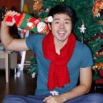 Thời trang - Thí sinh VNTM ngộ nghĩnh bên cây thông Noel