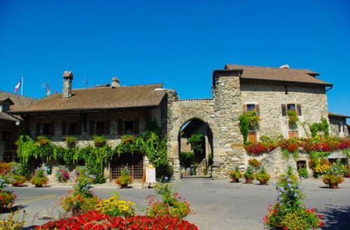 Đến thăm làng cổ đẹp nhất nước Pháp - 8