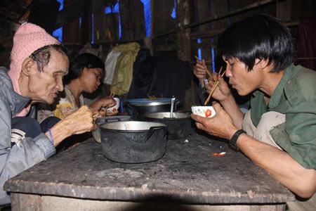 """""""Người rừng"""" Hồ Văn Lang muốn có vợ - 3"""