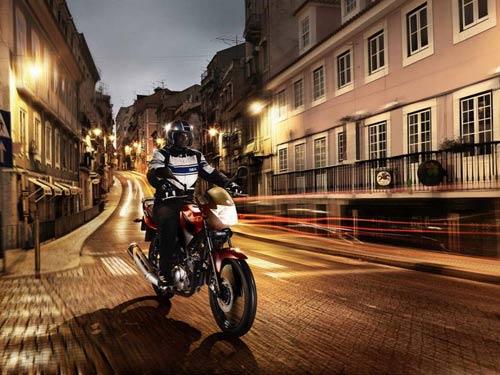 Yamaha YBR125 2014: Xe côn tay hạng nhẹ - 2