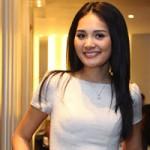 Thời trang - Hoa hậu Hương Giang trẻ trung cùng váy ngắn