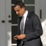 """Tin tức trong ngày - Mật vụ Mỹ """"cấm"""" Tổng thống Obama dùng iPhone"""