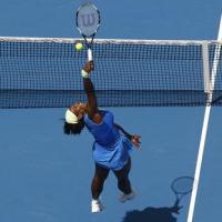 Học tennis qua ti vi: Lốp bóng phòng thủ và phản công