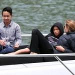 Phim - Angelina Jolie, Brad Pitt cùng 6 con tắm nắng