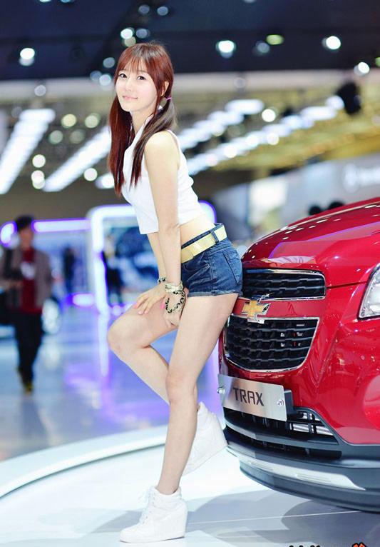 9 người mẫu ô tô nóng bỏng nhất xứ Hàn - 2
