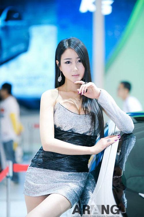 9 người mẫu ô tô nóng bỏng nhất xứ Hàn - 17