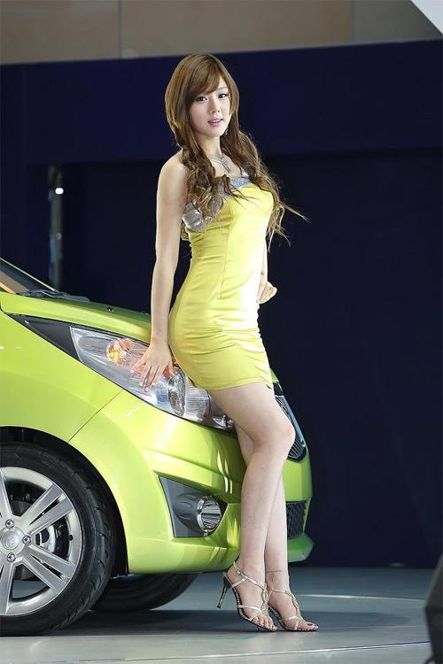 9 người mẫu ô tô nóng bỏng nhất - 2