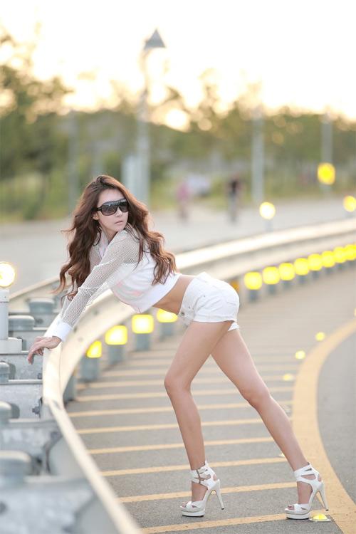 9 người mẫu ô tô nóng bỏng nhất xứ Hàn - 10