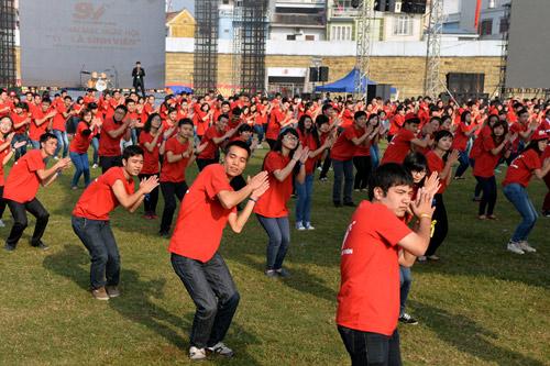 Ngày hội sinh viên rực lửa ở thành phố Hoa phượng đỏ - 1