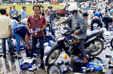 Vụ dân hôi bia: Lập hội ủng hộ tiền cho lái xe - 1