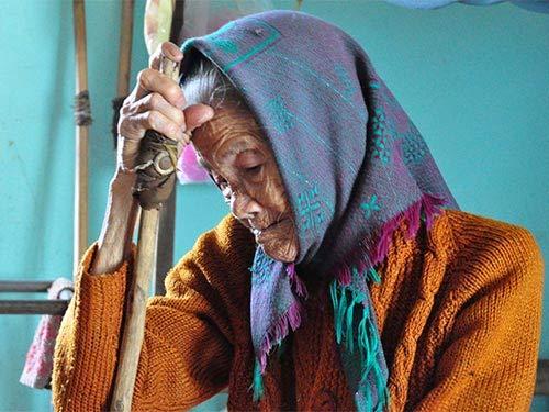 Mặn đắng nước mắt phụ nữ làng biển - 1