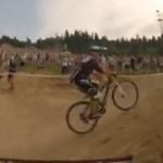 Thể thao - Màn đua xe ngoạn mục