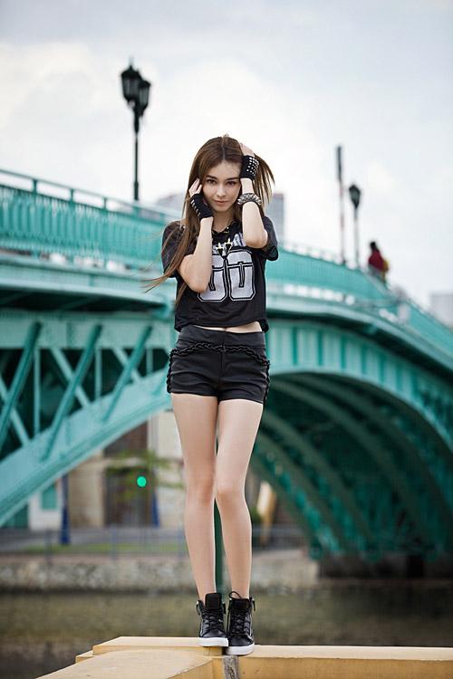 Phong cách trẻ của hot girl lai Pháp - 2