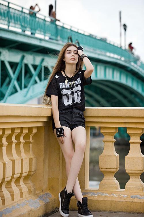 Phong cách trẻ của hot girl lai Pháp - 3