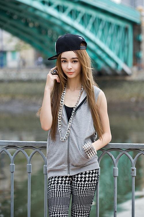 Phong cách trẻ của hot girl lai Pháp - 6
