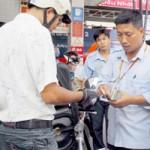 Thị trường - Tiêu dùng - Nên bỏ quỹ bình ổn giá xăng dầu?