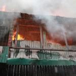Tin tức trong ngày - Cháy khu tập thể, trung úy quân đội bị thương