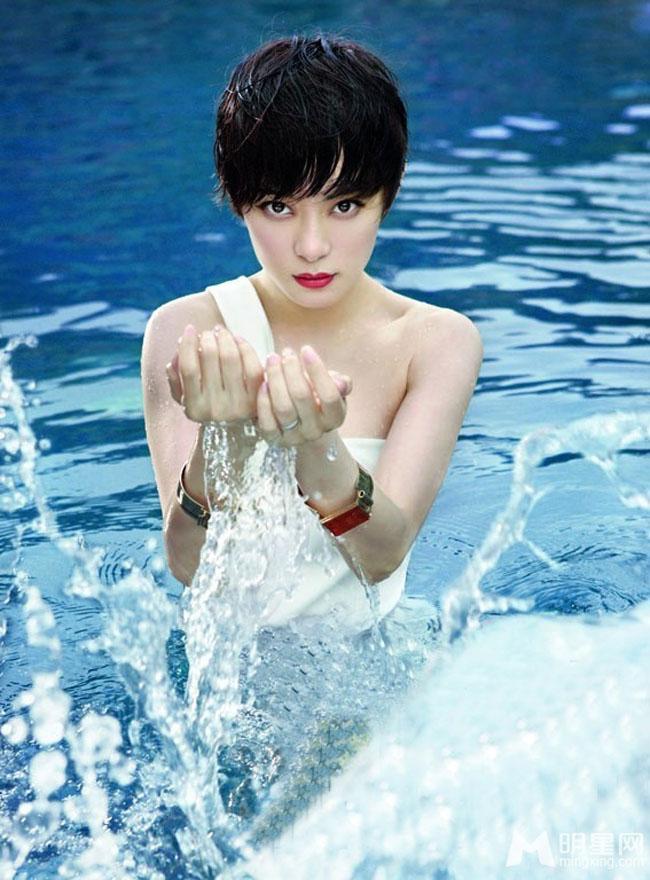 Tôn Lệ gây ấn tượng với các bộ phim Ngọc Quan âm, Hồng phấn thế gia, Mật ngọt, Tân Bến Thượng Hải… hay bộ phim đưa tên tuổi của cô lên chức danh  nữ hoàng màn ảnh  Hậu cung Chân Hoàn truyện.