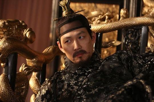 Top 5 phim điện ảnh Hàn ăn khách nhất 2013 - 11