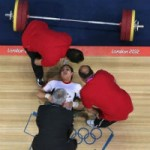 - Tai nạn vì đẩy tạ nặng ở SEA Games 27