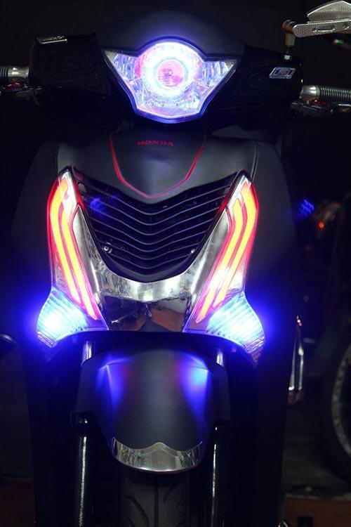 Trào lưu độ mặt nạ cho Honda SH 2012 - 6