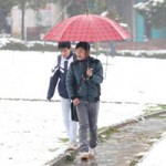 Giáo dục - du học - Mưa tuyết, HS Sa Pa vẫn chăm chỉ tới trường