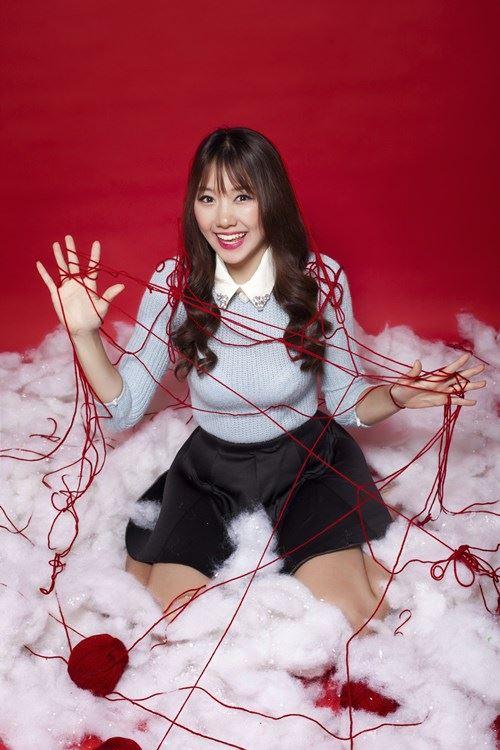 Hari Won, Tiến Đạt tặng quà Giáng sinh cho fan - 9