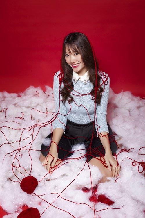 Hari Won, Tiến Đạt tặng quà Giáng sinh cho fan - 10