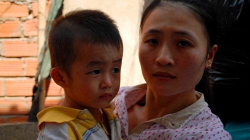 Bảo mẫu hành hạ trẻ mầm non: Phụ huynh khóc ngất - 6