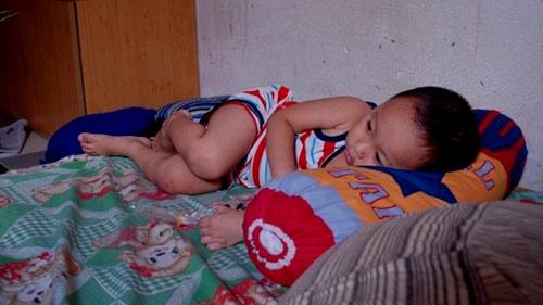 Bảo mẫu hành hạ trẻ mầm non: Phụ huynh khóc ngất - 8