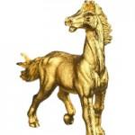 """Thị trường - Tiêu dùng - Ngựa dát vàng giá bạc triệu """"sốt"""" trước Tết"""