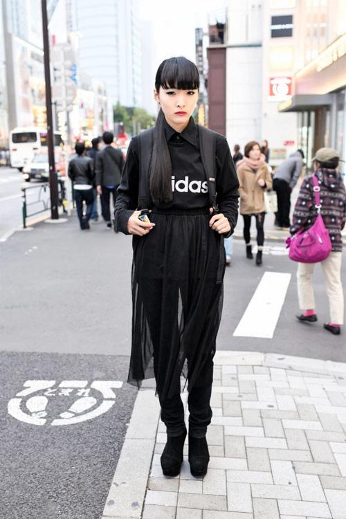 Váy dài kỳ thú trên đường phố Tokyo - 9