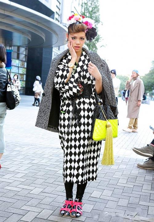 Váy dài kỳ thú trên đường phố Tokyo - 12