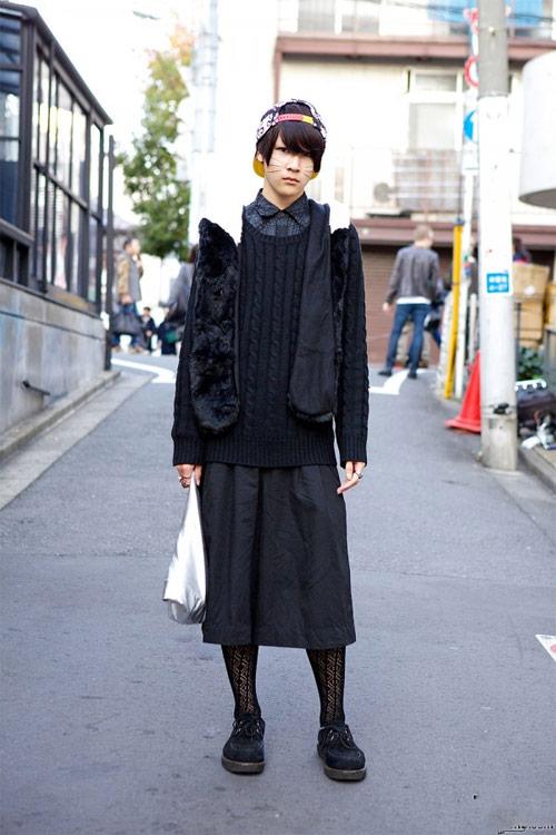 Váy dài kỳ thú trên đường phố Tokyo - 17