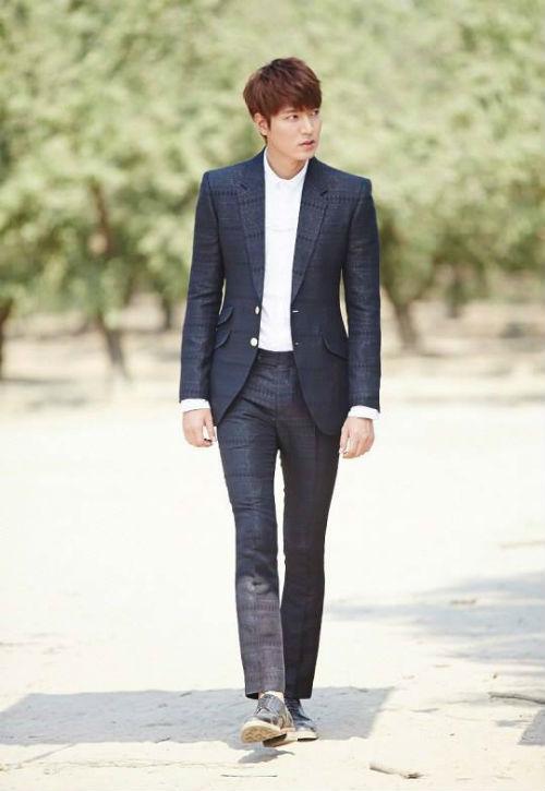 Kim Tan quyên từ thiện quần áo hàng hiệu - 19