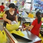 Thị trường - Tiêu dùng - Hàng Tết nhấp nhổm tăng giá