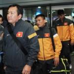 Bóng đá - U23 Việt Nam lầm lũi ở sân bay Nội Bài
