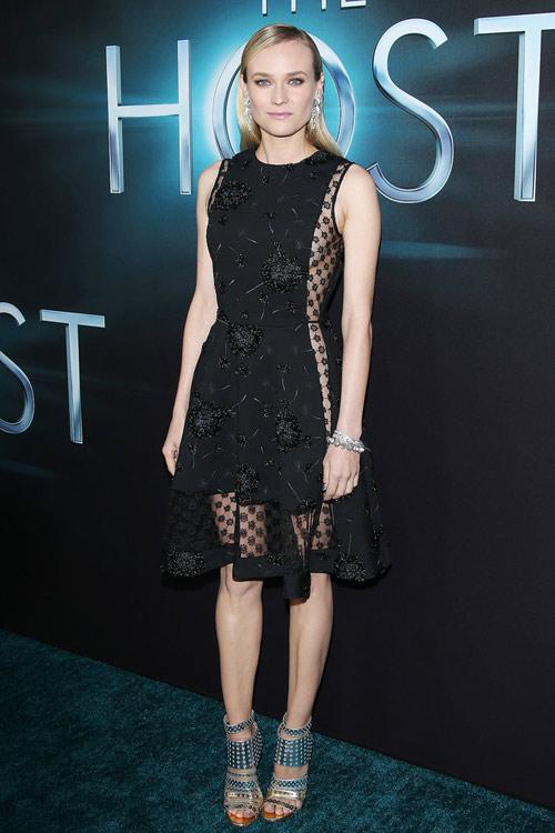 Top váy đen đẹp khó cưỡng trên thảm đỏ 2013 - 12