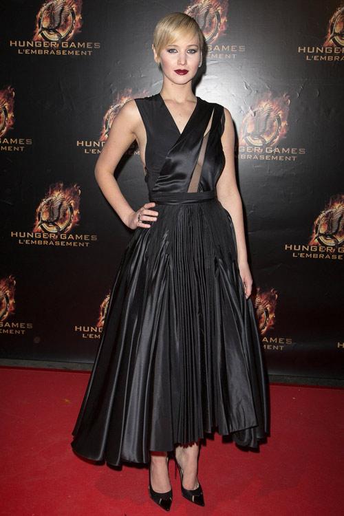 Top váy đen đẹp khó cưỡng trên thảm đỏ 2013 - 11