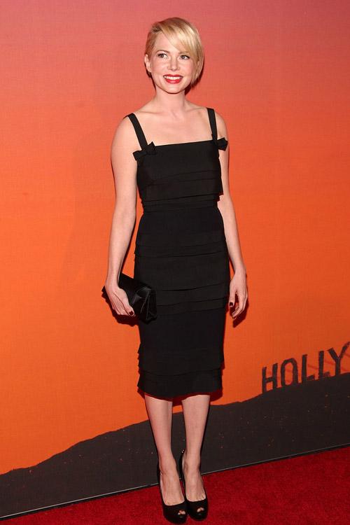 Top váy đen đẹp khó cưỡng trên thảm đỏ 2013 - 2