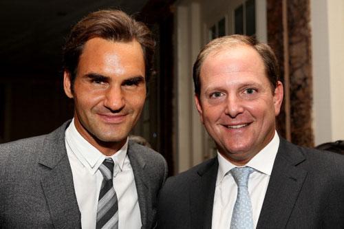 Federer quản lý cho bồ Sharapova - 1