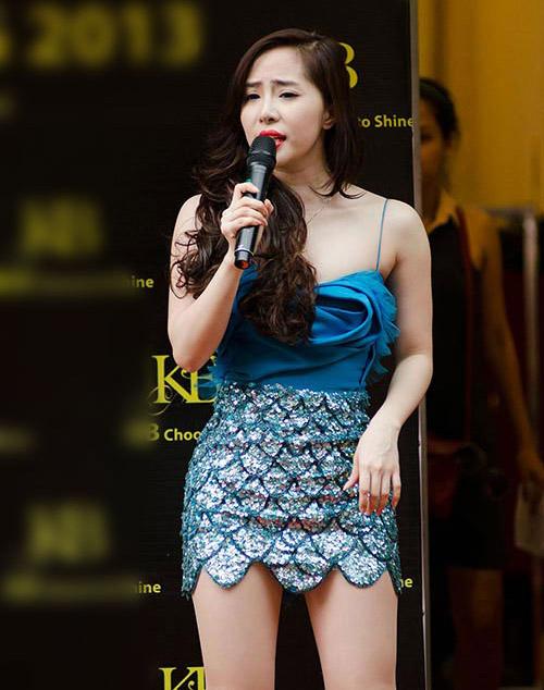 Showbiz Việt: Một năm ngập váy ngắn! - 3