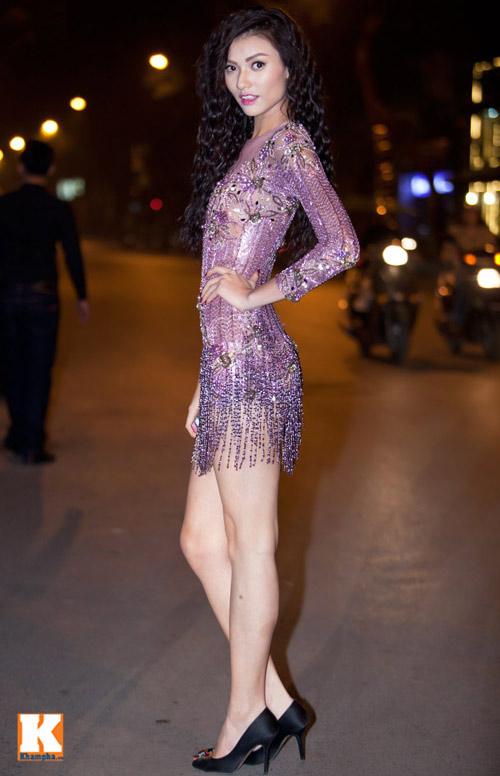 Showbiz Việt: Một năm ngập váy ngắn! - 4